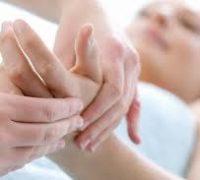 До якого лікаря звернутися при онімінні рук