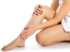 Чому болить і набрякає нога